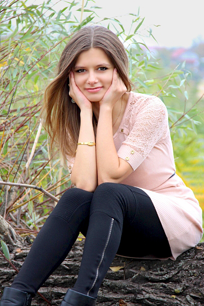 Anna, 26, Ukraine