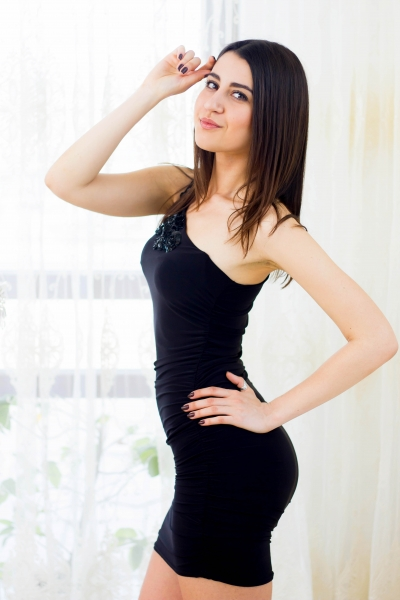 Alina 27 years old Ukraine Kharkov, Russian bride profile, meetbrides.online
