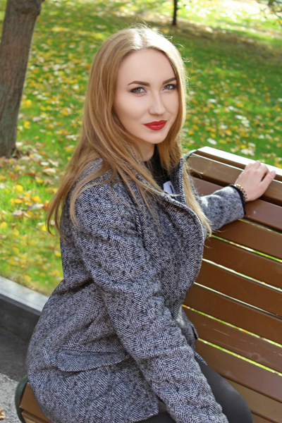 Marina 26 years old Ukraine Kharkov, Russian bride profile, meetbrides.online