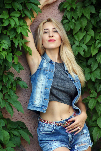 Alvina 24 years old Ukraine Nikolaev, Russian bride profile, meetbrides.online